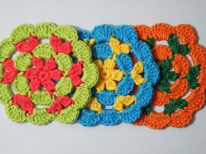 Вяжем крючком цветок-салфетку под горячее. Ярмарка Мастеров - ручная работа, handmade.