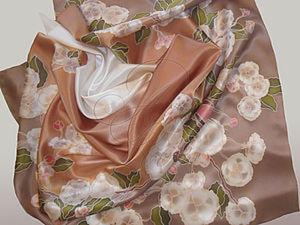"""Шелковый платочек """"Яблоневый цвет"""" в технике холодного батика своими руками. Ярмарка Мастеров - ручная работа, handmade."""
