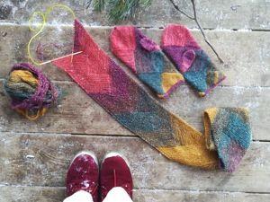 Учимся вязать необычный шарф спицами: видеоурок. Ярмарка Мастеров - ручная работа, handmade.