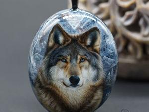 Кулон талисман тотем  «Волк Велеса» ювелирная живопись на камне. Ярмарка Мастеров - ручная работа, handmade.