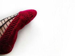 Вяжем тапочки—следки спицами без швов и отрыва нити. Ярмарка Мастеров - ручная работа, handmade.