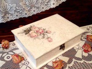 Белоснежная шкатулка с розочками в технике декупаж. Ярмарка Мастеров - ручная работа, handmade.