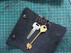 Делаем ключницу из кожи. Ярмарка Мастеров - ручная работа, handmade.