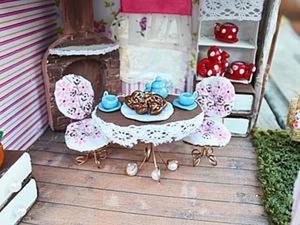 Видеоурок: кукольная миниатюра — стол и стулья. Ярмарка Мастеров - ручная работа, handmade.