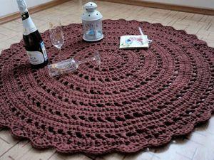Вяжем крючком уютный круглый коврик из трикотажной пряжи. Ярмарка Мастеров - ручная работа, handmade.