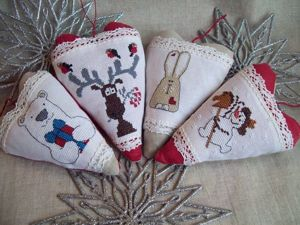 Создаем текстильную новогоднюю игрушку на елку с вышивкой в стиле «тильда». Ярмарка Мастеров - ручная работа, handmade.