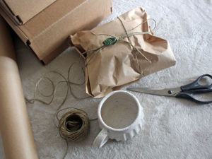 Packing Handmade Ceramics to Send by Post. Livemaster - handmade