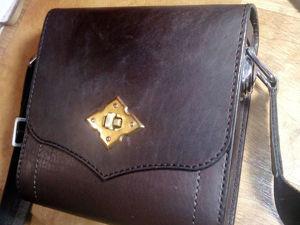 Шьем небольшую сумочку из кожи. Ярмарка Мастеров - ручная работа, handmade.
