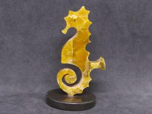 Морской конёк — сувенир из симбирцита на круглой подставке. Ярмарка Мастеров - ручная работа, handmade.