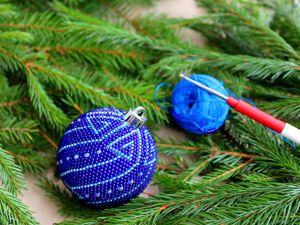 Вяжем крючком елочный шарик из бисера. Ярмарка Мастеров - ручная работа, handmade.