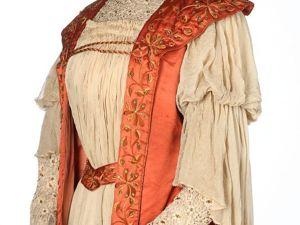 Атласный наряд Tea gown c вышивкой 1897 г. Ярмарка Мастеров - ручная работа, handmade.