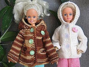 Вяжем курточку с капюшоном для Барби, тильдочек, текстильных и интерьерных кукол. Ярмарка Мастеров - ручная работа, handmade.