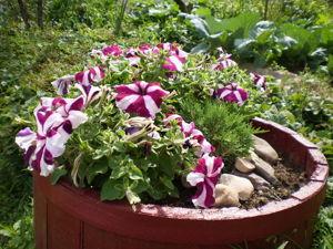 Не выбрасывайте старые вещи: простые идеи для креативного оформления сада. Ярмарка Мастеров - ручная работа, handmade.