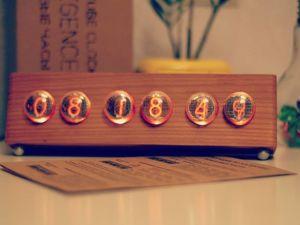 Ламповые часы на ИН-4. Ярмарка Мастеров - ручная работа, handmade.