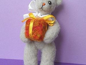 Мастер-класс по валянию праздничного мишки. Ярмарка Мастеров - ручная работа, handmade.