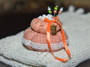 Шьем подарочную игольницу к 8 марта. Ярмарка Мастеров - ручная работа, handmade.