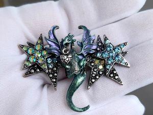 Видео. Брошь/кулон Дракон летящий сквозь звёзды,Kirks Folly,США. Ярмарка Мастеров - ручная работа, handmade.