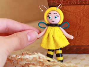 """Видео мастер-класс: создаем брошь """"Девочка пчёлка"""" из полимерной глины. Ярмарка Мастеров - ручная работа, handmade."""