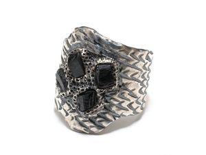 Крупное серебряное кольцо с шерлом. Ярмарка Мастеров - ручная работа, handmade.