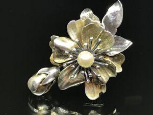 Брошь антикварная Цветок с жемчужиной. Ярмарка Мастеров - ручная работа, handmade.