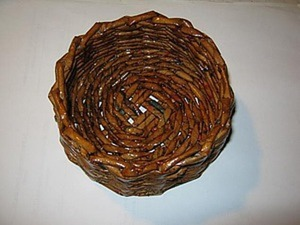 Мастер-класс: плетем из газет корзинку. Ярмарка Мастеров - ручная работа, handmade.