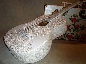 Свадебная гитара для фотосессии. Ярмарка Мастеров - ручная работа, handmade.