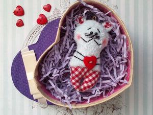 Шьем милый брелок ко Дню влюбленных. Ярмарка Мастеров - ручная работа, handmade.