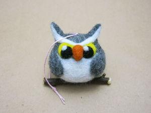 Валяем совушку — игрушку на ёлку. Ярмарка Мастеров - ручная работа, handmade.