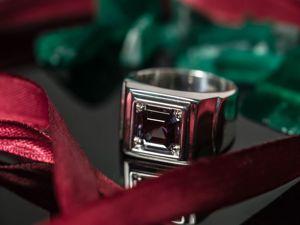 Для самых мужественных и любимых мужчин перстень с александритом от MonteCrystal Gems. Ярмарка Мастеров - ручная работа, handmade.