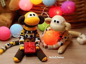 Шьем милую новогоднюю обезьянку из пары детских носков. Ярмарка Мастеров - ручная работа, handmade.