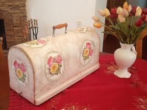 Декор крышки старой швейной машинки в технике декупаж. Ярмарка Мастеров - ручная работа, handmade.