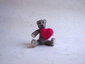 Валяем мишку к Дню святого Валентина. Ярмарка Мастеров - ручная работа, handmade.