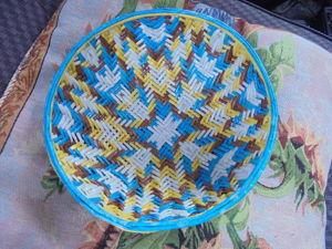 Видеоурок: как сплести тарелку с орнаментом из бумажной лозы. Часть 1. Ярмарка Мастеров - ручная работа, handmade.