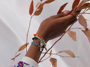Модный тренд: чем больше браслетов, тем лучше. Правила Многослойности. Ярмарка Мастеров - ручная работа, handmade.
