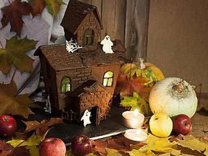 Getting Ready for Halloween: Cooking a Haunted House. Livemaster - handmade
