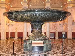 """А знаете ли Вы о """"Царице ваз""""? Самой большой вазе в мире, вырезанной из цельной яшмы 170 лет назад.. Ярмарка Мастеров - ручная работа, handmade."""