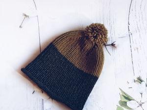 Вяжем двухцветную мужскую шапку с помпоном. Ярмарка Мастеров - ручная работа, handmade.