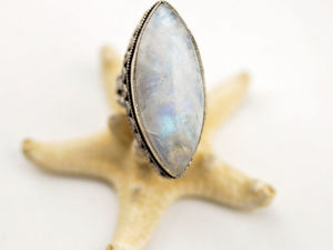 Перстень с ярко сияющим адуляром. Ярмарка Мастеров - ручная работа, handmade.