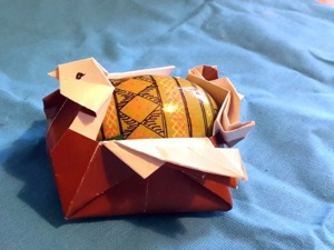 Оригами: пасхальная курочка. Ярмарка Мастеров - ручная работа, handmade.