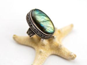 Перстень с ярко сияющим лабрадоритом. Ярмарка Мастеров - ручная работа, handmade.