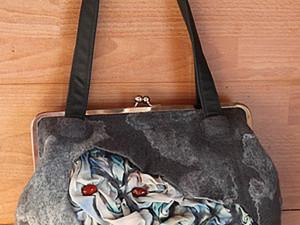 """Крепление ручек к валяной сумке """"В кармашек"""".. Ярмарка Мастеров - ручная работа, handmade."""