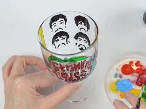 Рисуем Beatles на стеклянном бокале. Ярмарка Мастеров - ручная работа, handmade.