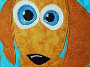Яркие аппликации из ткани. Лоскутная подушка Таксы — красочный акцент в интерьере детской комнаты! Красивое лоскутное шитье для детей и взрослых!. Ярмарка Мастеров - ручная работа, handmade.