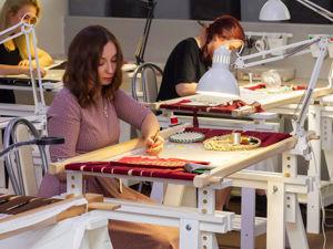 Оборудование рабочего места вышивальщицы. Ярмарка Мастеров - ручная работа, handmade.