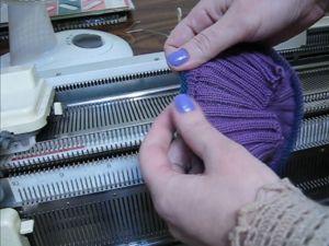 Вязание бейки на двухфонтурной машинке. Ярмарка Мастеров - ручная работа, handmade.