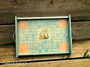 Деревянный поднос с плиточкой. Ярмарка Мастеров - ручная работа, handmade.
