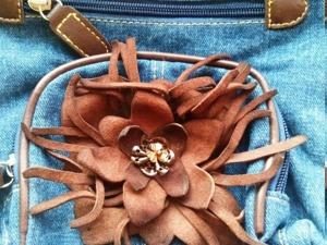 Делаем украшение из кожи к сумочке из джинсы. Ярмарка Мастеров - ручная работа, handmade.