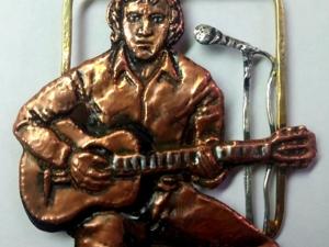 Брошь винтажная :В.Высоцкий.Чеканка,медь,серебро 925 пр. Ярмарка Мастеров - ручная работа, handmade.