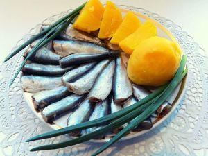 Соленая килька пряного посола домашнего приготовления. Ярмарка Мастеров - ручная работа, handmade.