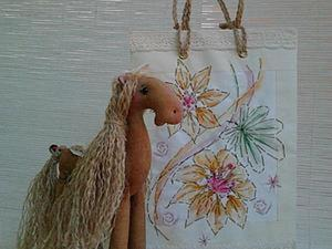 Декорирование бумажной упаковки вышивкой и акварелью. Ярмарка Мастеров - ручная работа, handmade.
